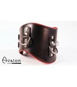 Avalon - Bredt collar med god polstring, Sort og rødt