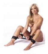 Rimba - Myk Benspreder med 4 Cuffs - Sort